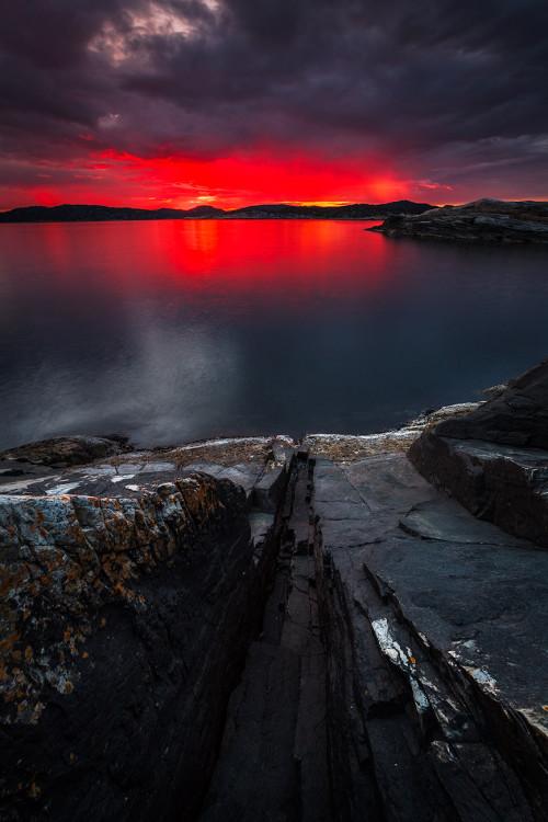 L-5-red-glow-Marcin-Kowalski-photography-Kristiansand